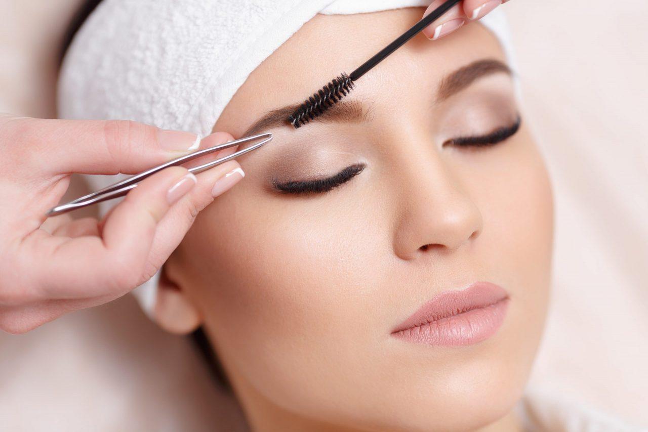 Kosmipodo Kosmetikstudio Augenbrauenkorrektur